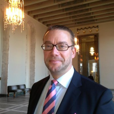 Stefan Wallin, sfp, ansvarar för Ryssland i riksdagens framtidsutskott