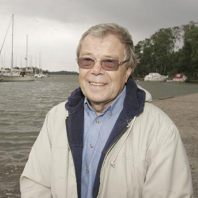 Lasse Mårtenson Haukilahden satamassa.