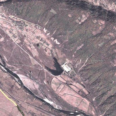 Ydinkoelaitos satelliitista nähtynä.