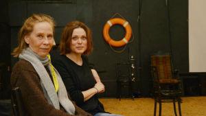 Kati Outinen och Tove Qvickström spelar Tjechovs Måsen