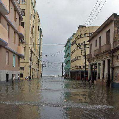 Näkymä tulvivalle kadulle Havannassa, Kuubassa, 10. syyskuuta 2017.