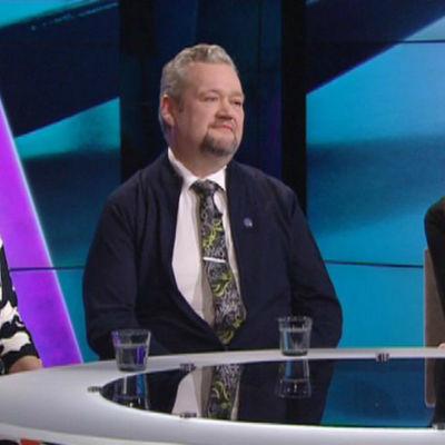 Aino-Kaisa Pekonen, Jari Myllykoski och Li Andersson