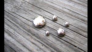Klumpar av kvicksilver