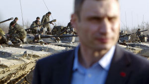 Klytjko följde med den ukrainska arméns övningar i Zjytomyr den 14 mars.