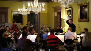 Sakari Oramo johtaa Keski-Pohjanmaan Kamariorkesteria