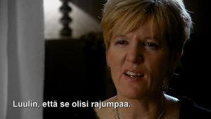 Nainen puhuu