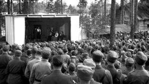 Underhållning vid fronten under fortsättningskriget, SA-bild 1941-1942