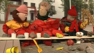 Atte, Elmeri och Mirabell i sandlådan, 1997