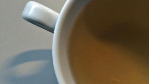 Kupissa vihreää teetä