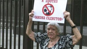 Venäläinen ihmisoikeusaktivisti Ljudmila Aleksejeva