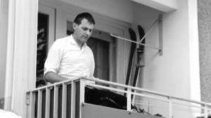 Man på balkong, 1967