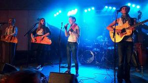 New Better Spring Band on ensimmäinen oma yhtyeeni, kuvassa ollaan Kaustisella keikalla.