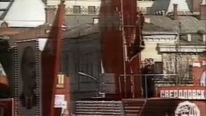 Moskovassa näyttävä vappujuhla Tšernobylin onnettomuudesta huolimatta.