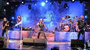 Sonata Arctica soittaa Kemin Satama Open Air -festivaaleilla 2013.