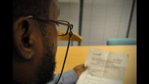 Abshirs språkanalys visar att han kommer från en annan del av Somalia än han själv säger att han hör hemma i.