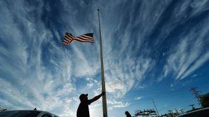 Flagga på halvstång i West, Texas.