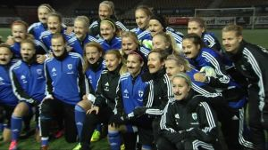 Damlandslaget i fotboll goes Movember