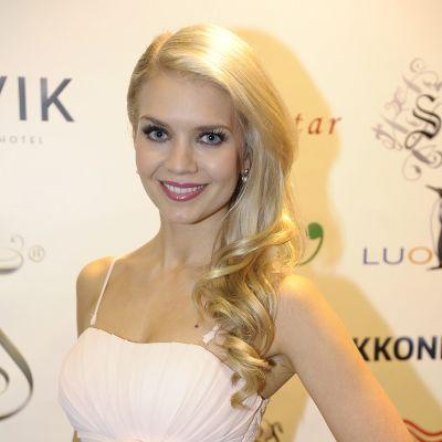 Vuoden 2013 Miss Suomeksi valittu Lotta Hintsa Miss Suomi -finalistien esittelytilaisuudessa.