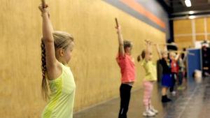Lapset CrossFit Kids -treeneissä