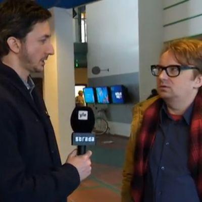 Ivan Puopolo haastattelee Pentti Jarlaa.
