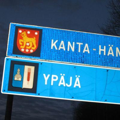 Ypäjän kunnan raja 10-tien varressa