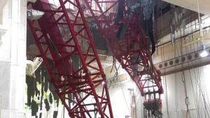 Lyftkran välte in i moské i Mecka 11.9.2015