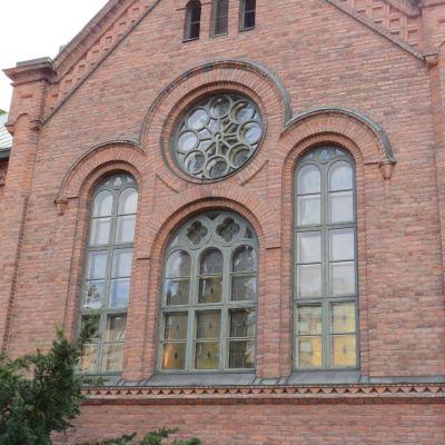 Kaupungin kirkon ikkunat