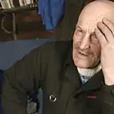 Eräkirjailija Ubto Ek (1994).