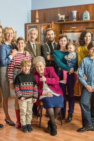Francon jälkeen -sarjan hahmot ryhmäkuvassa, sarjan kaudella 19