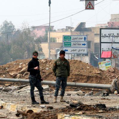 Irakilaisia sotilaita Mosulissa