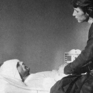 Säveltäjä Toivo Kuula ja puoliso Alma Kuula Viipurin lääninsairaalassa toukokuussa 1918.