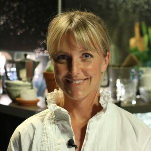 Fysioterapeuten Johanna Landsman i Efter Nios studio, poserar för foto.