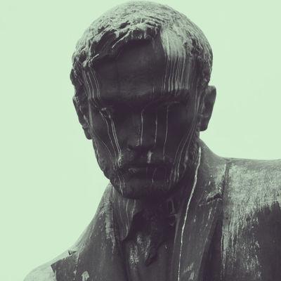 Aleksis Kiven patsas