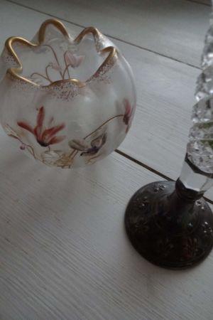 Två vaser från jugendtiden.