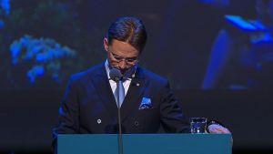 Jyrki Katainen håller sitt avskedstal som Samlingspartiets ordförande.