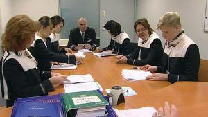 Flygbolaget Finnair och kabinpersonalen förhandlade måndagen den 6 oktober 2014 om sparavtalet.