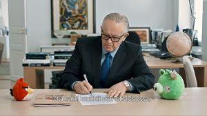 Martti Ahtisaari förhandlade fram ett eldupphör mellan grisar och fåglar i mobilspelet ANgry Birds