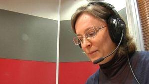 Natalia Giloeva producerar Yles nyheter på karelska.