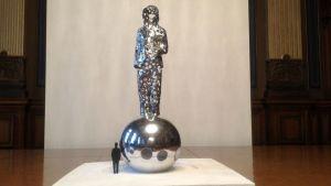 Pekka Kauhanens miniatyr av minnesmärket Valon tuoja. Minnesmärket kommer att resas 2017.