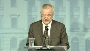 Rehn höll presskonferens om Fennovoima