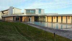 Tidigare badhotellet Cape East i Tavastehus har gjorts om till flyktingförläggning.