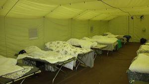 Flyktingar inkvarteras i tält i Joutseno