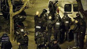 Polisen spärrar av området kring Boulevard Jules Ferry