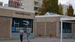Runosbackens skola.