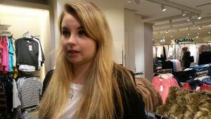 Jenna Honkanen, butikschef vid klädkedjan Mango i Helsingfors