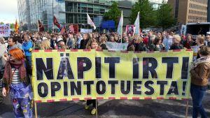 Studentdemonstration i Helsingfors