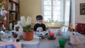 Yehia Eweis serie Var inte rädd visar upp saker som hör till barndomen