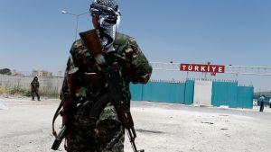 Kurdisk soldat i sydästra Turkiet