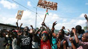 Protester mot Burundis president i Bujumbura.
