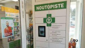 Apoteket i Nedervetil har numera en medicinautomat från vilken man kan få medicin dygnet runt.